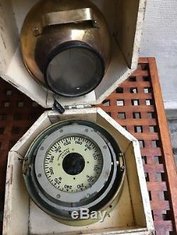 Ancien compas de Life Boat complet dans sa boite d'origine