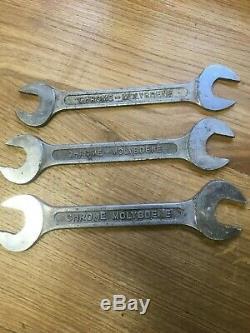Ancienne plaque métal vintage avec jeu complet de clés plates Eternum Furia