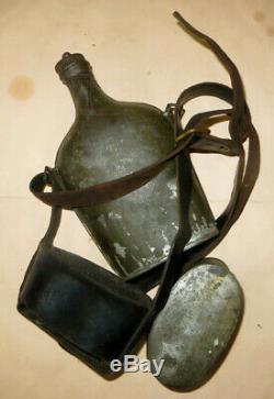 Beau bidon de Cavalerie modèle 1884, complet avec sa sangle et son quart