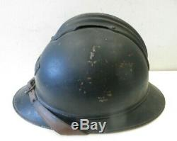 Beau casque ADRIAN de chasseur, modèle 1915, peinture noire, complet