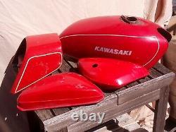 Carrosserie complète pour moto de collection Kawasaki 400 kh