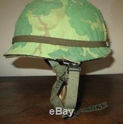 Casque Para Américain, U. S. Vietnam, complet avec liner et filet de camouflage