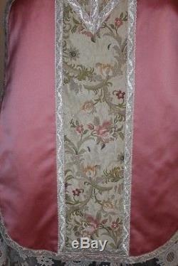Chasuble De Pretre Romaine Complete En Nylon Rose Annees 1950