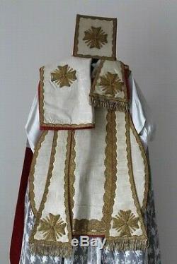 Chasuble Romaine de prêtre complète en soie blanche début du XIXe siècle