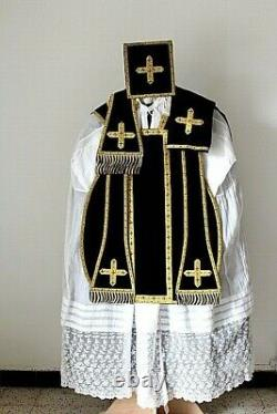 Chasuble Romaine de prêtre noire complète en velours de soie XIXe Siècle