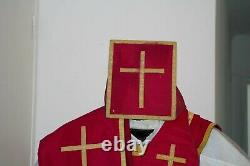 Chasuble Romaine de prêtre quasi complète en soie framboise XIXe