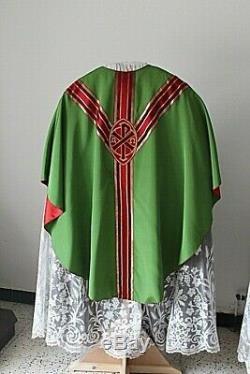 Chasuble de prêtre gothique verte quasi complète Milieu XXe