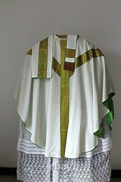 Chasuble gothique de prêtre blanche complète milieu XXe