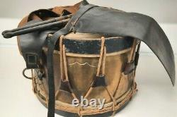 Ensemble complet tambour, baguettes et tablier de cuir 1914-1918